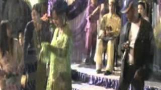 Bajau song-Lolo(kumala group) koyong.mpg