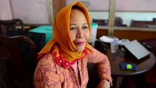 Download Video B2B Bless - Ibu Haji Kurniah MP3 3GP MP4