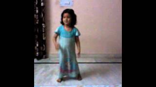 DANCE OF MUJHKO PAHARI MAT BOLO BY DHAN