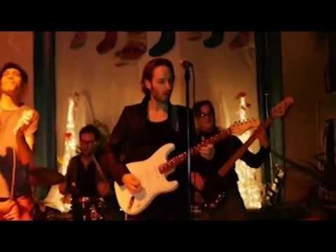 FosseyTango vs Santana (live)