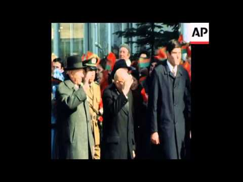 SYND 14 4 77 AFGHAN PRESIDENT MOHAMMED DAUD KHAN VISITS RUSSIA