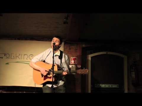 Simon Kempston - Derry Wall - Folking Live [Artree Music]