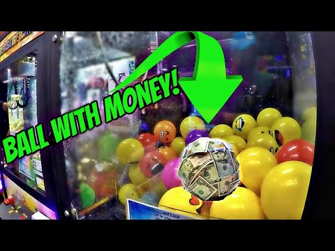 Won BALL With MONEY ON IT From CLAW MACHINE!