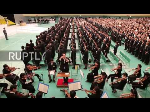 Japan: Abe honours war victims during WWII commemoration in Tokyo