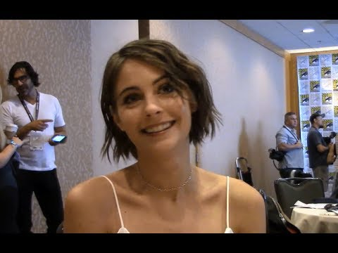 Arrow  Willa Holland , Season 6 Comic Con