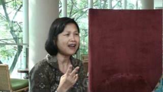 Ibu Hanna sings Satu, Satu Indonesian Children