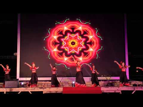 Dance show in CAT BA in the Halong Bay - Vietnam