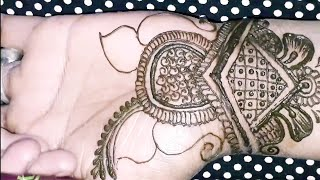 """Front Hand Arabic Easy Mehndi Design For Hand """