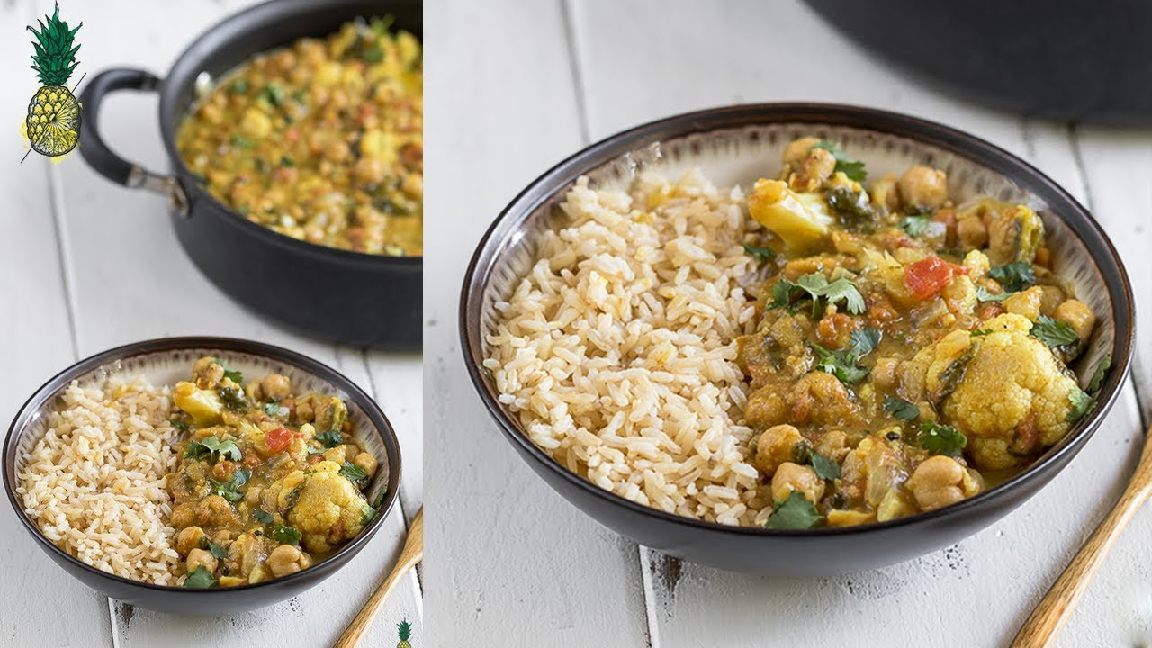 One-Pot Cauliflower & Chickpea Curry | Easy + Vegan