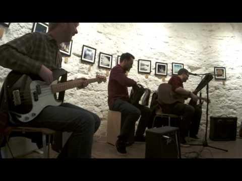 Betatone Distraction - Acoustic Set at Edges \\ Sky Exhibition