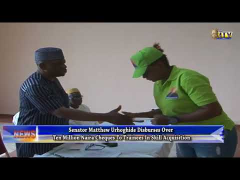 Sen. Urhoghide disburses over N10m to trainees in skill acquisition