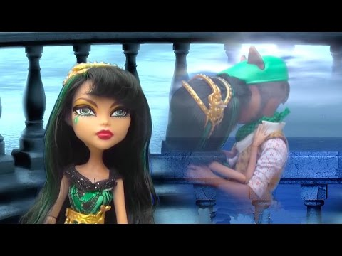 Cleo's Secret ! Toys and Dolls Fun Playing with Monster High - Videos Compilation