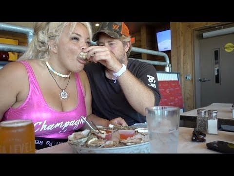 TRYING OYSTERS, MUSSELS, AND STEAMERS FOR THE FIRST TIME! | NEW ENGLAND SEAFOOD MUKBANG