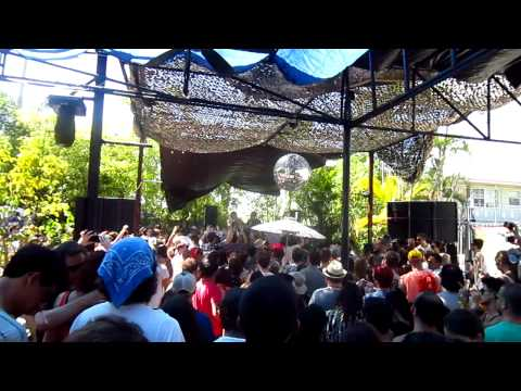 INFINITY INK (LUCA C & ALI LOVE) LIVE AT GET LOST - (24.03.2012)