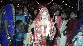 दुल्हन ने खुद अपनी शादी ऐसा डांस किया आप देखे बिना नहीं रह सकते