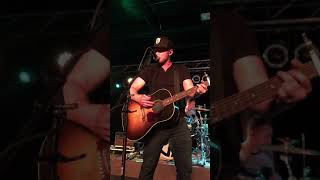 Play Cold Beer Calling My Name (feat. Luke Combs)