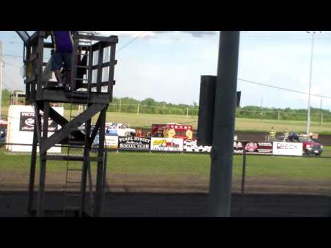 Modified Amain @ Benton County Speedway 05/29/16