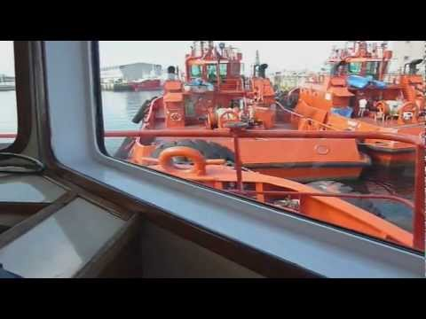 Película atraque del buque portacontenedores VECHT TRADER en Vigo