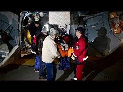 ВИДЕО: вертолёт Ми-8 МЧС России доставил пострадавших на пожаре в промзоне Нижнекамска в Казань