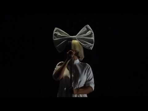 Sia - Chandelier (Live in Auckland, New Zealand)
