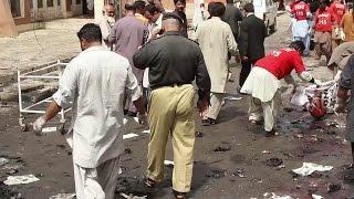 Власти Пакистана расследуют обстоятельства крупного теракта в больнице города Кветта.