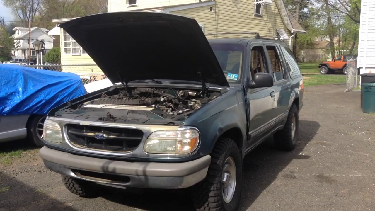 hight resolution of 1995 ford explorer open car hood quick tip