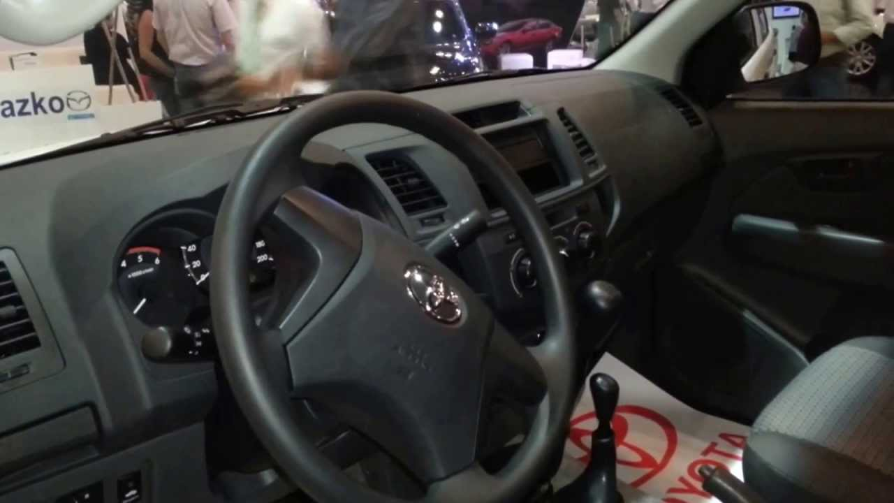 interior toyota hilux 4x4 extreme 2014 versi n para colombia full hd youtube. Black Bedroom Furniture Sets. Home Design Ideas