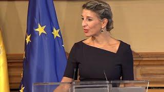 Díaz dice que estaba dispuesta a subir menos el SMI para sumar a la CEOE
