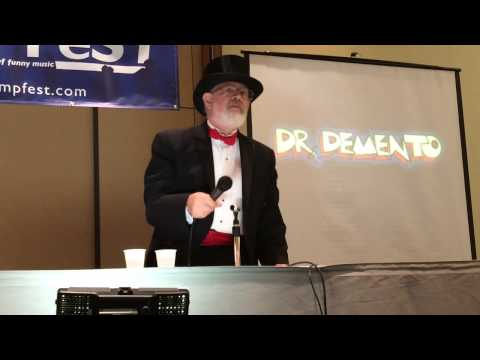 "Dr.  Demento sings ""Shaving Cream"" Live in Chicago"