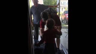 Military dad surprising daughter after being in Korea