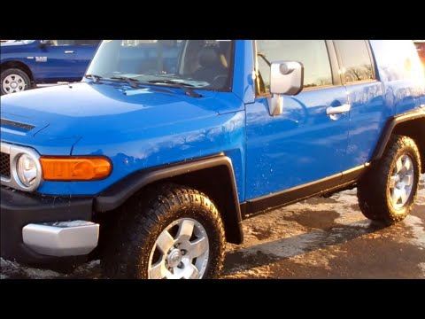 SOLD! 4T451A 2007 TOYOTA FJ CRUISER AUTOMATIC BLUE WHITE $18,999 www.SUMMITAUTO.com