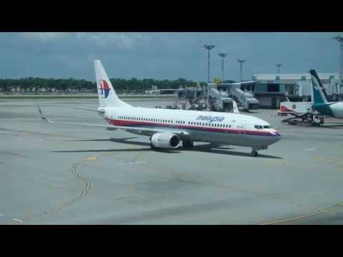 Malaysia Airlines Boeing 737-800   Singapore to Kuala Lumpur *Full Flight*