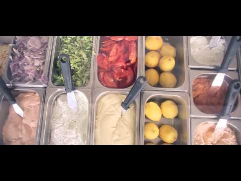 Μπαγιάτικο Food Bar Santorini / Bagiatiko Food Bar Santorini profile video