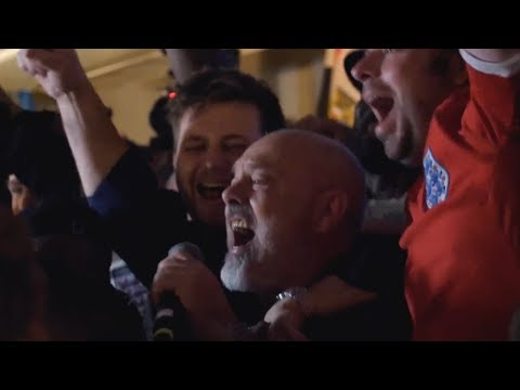 FAT LES PERFORMS VINDALOO    Tunisia 1 England 2   World Cup 2018