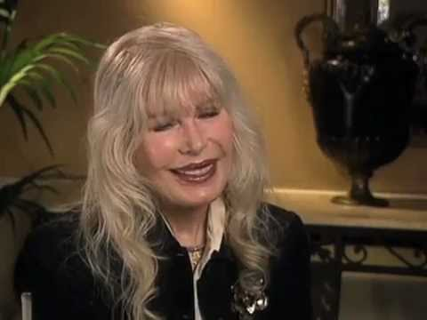 "Loretta Swit on getting cast on ""M.A.S.H"" - EMMYTVLEGENDS.ORG"