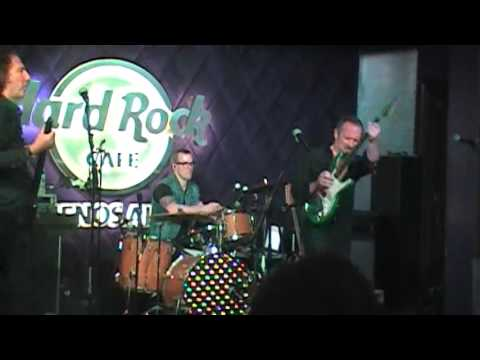 Cutting Crew - (I Just) Died In Your Arms Live Hard Rick Cafe Bs.As. 4/7/2016
