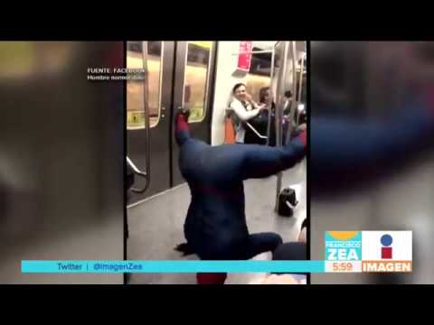 Spiderman Latino bailando en el Metro de Chile   Noticias con Francisco Zea