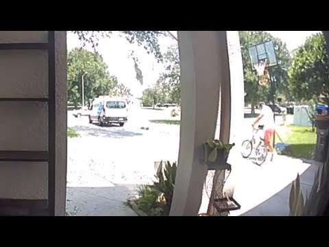 Adam Rivers - WATCH: You won't believe what this Amazon delivery man did!