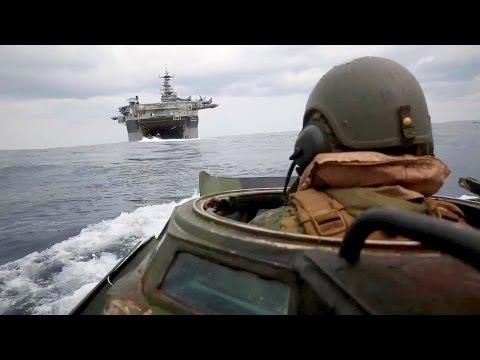 Assault Amphibious Vehicle AAV-P7/A1 In Action