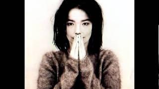 Björk - Big Time Sensuality - Debut