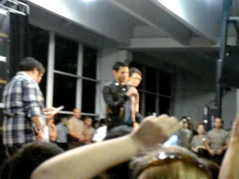 Kiowa Gordon & Alex Meraz at Dadeland Mall for New Moon Cast Tour Q&A Part 2 of 2