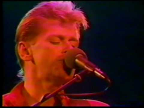 Chicago- Peter Cetera- If You Leave Me Now -Live In Japan 1984