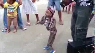 El Serrucho, Muñeco bailando  Champeta.
