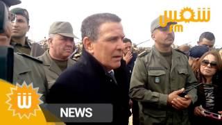 وزير الدفاع فرحات الحرشاني يلتقي بالوحدات العسكرية التي قضت على إرهابيين في مطماطة