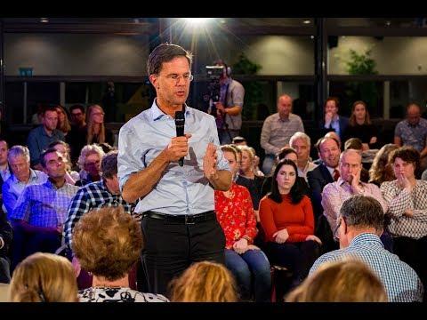 Mark Rutte ging LIVE in gesprek over het regeerakkoord in Etten-Leur.