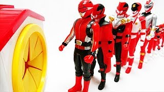 Red Power Rangers Walk into the Box in a row Super Ninja Steel,Beast Morphers リュウソウジャー Learn colors