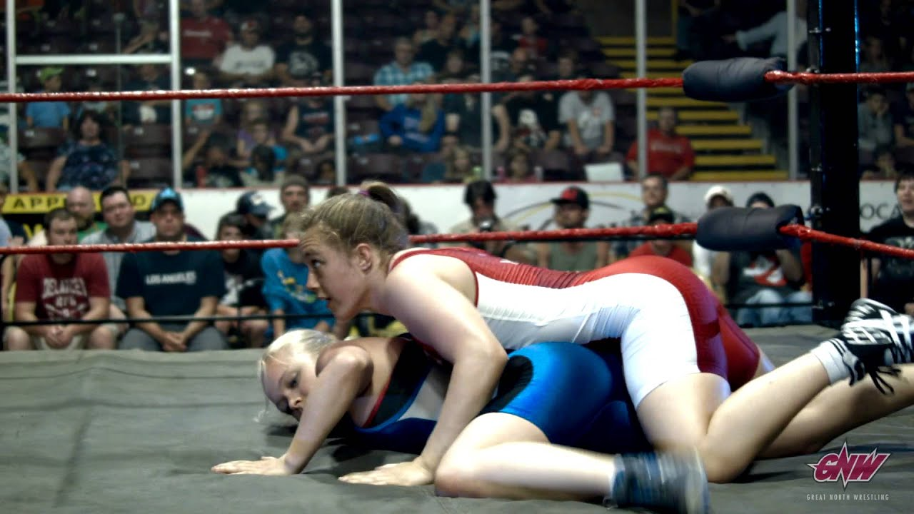 women wrestling Amateur