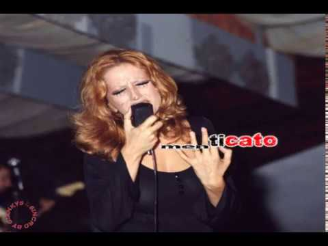 Mina - Un colpo al cuore (karaoke - fair use)
