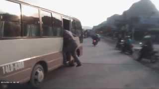 Cướp Khách xe Buýt Cực ác Liệt - Cẩm Phả - Quảng Ninh 2015