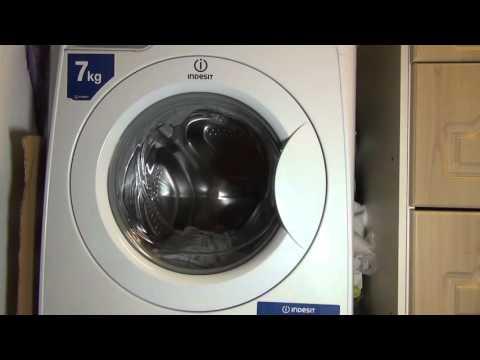 Indesit PWE71420 : Cotton 90'c Mini load ENERGY : wash phase (pt 1 of 4)